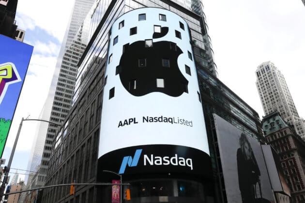 एप्पल बनी 1 ट्रिलियन डॉलर की कंपनी